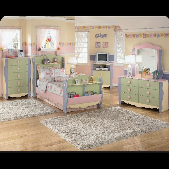 "Ashley Furniture ""dollhouse"" 4 piece bedroom set"